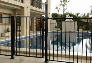 Phoenix Pool Fence Contractors